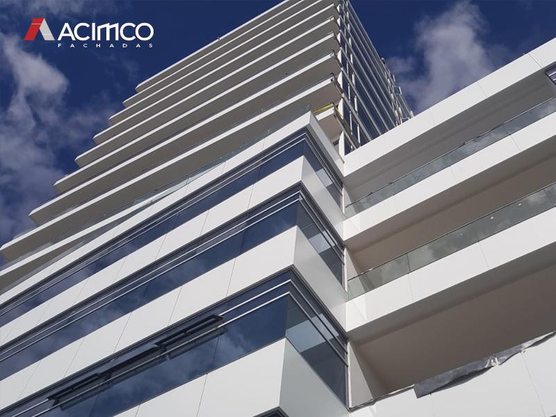 Aluminio-compuesto-alucobond-stacbond-fachada-ecuador